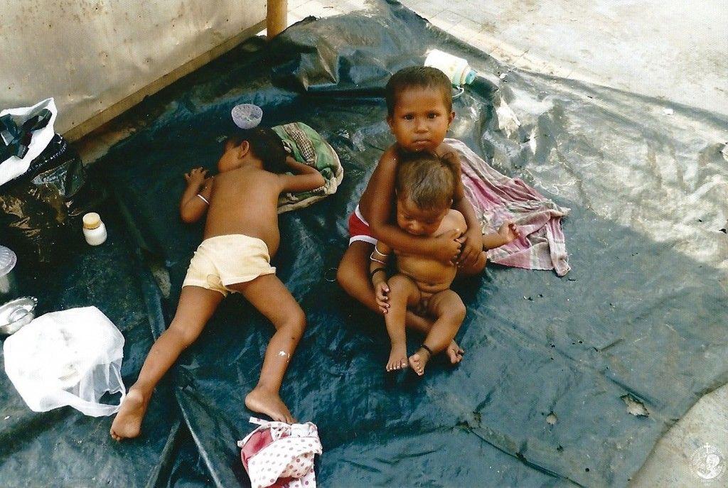 Άστεγα παιδιά στους δρόμους της Καλκούτας