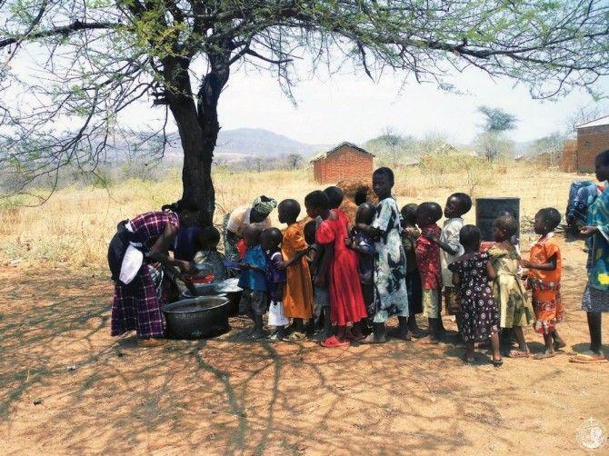 Συσσίτιο παιδιών στην Τανζανία