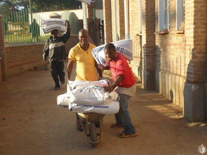 Μεταφορά ανθρωπιστικής βοήθειας από την Αδελφότητά μας για την Εκκλησία του Μαλάουι