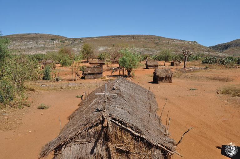 Εκκλησία-χορτοκαλύβη στη Μαδαγασκάρη